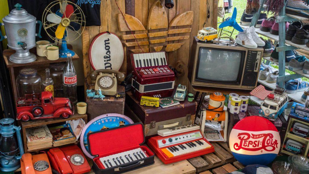 junk hoard clutter ss 1920