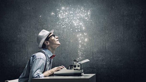 writer typing copy ss 1920