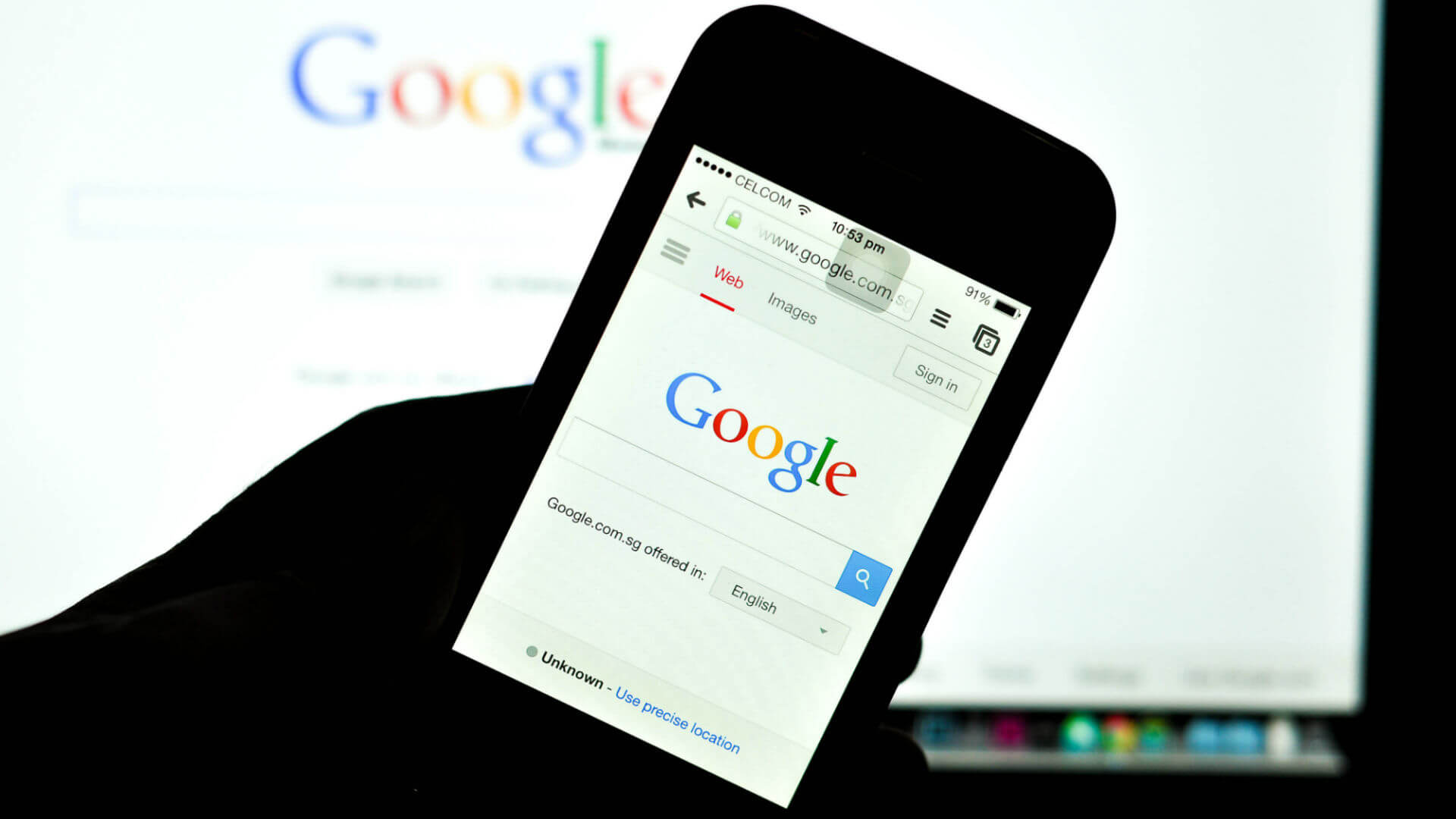 Google adds trending searches and instant answers to iOS app