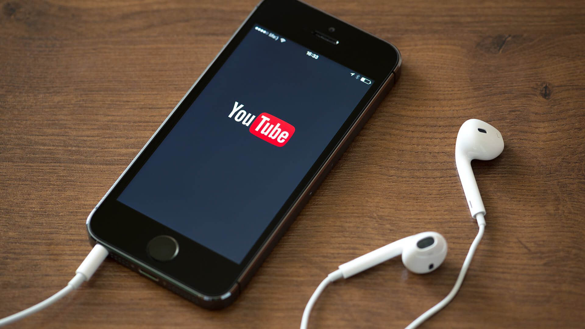 YouTube Studio updates let creators schedule posts & see subscriber numbers in the app