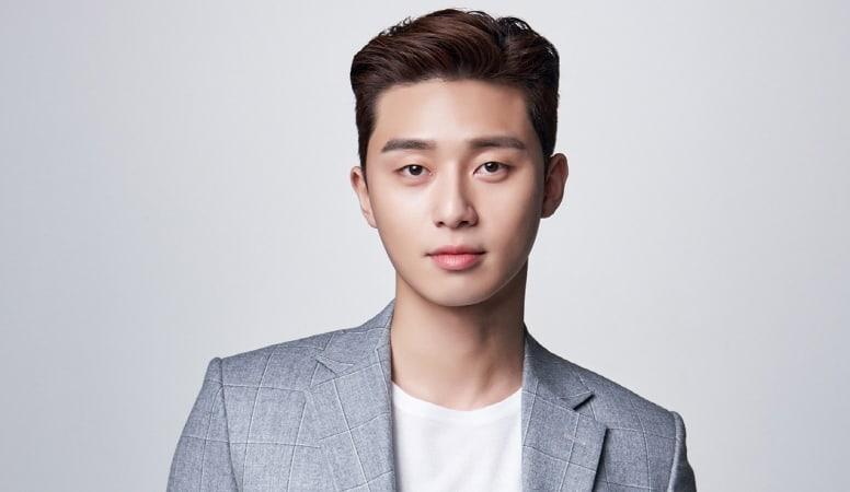 87e9e22be21dad Park Seo Joon Thanks Moviegoers In His Award Acceptance Speech