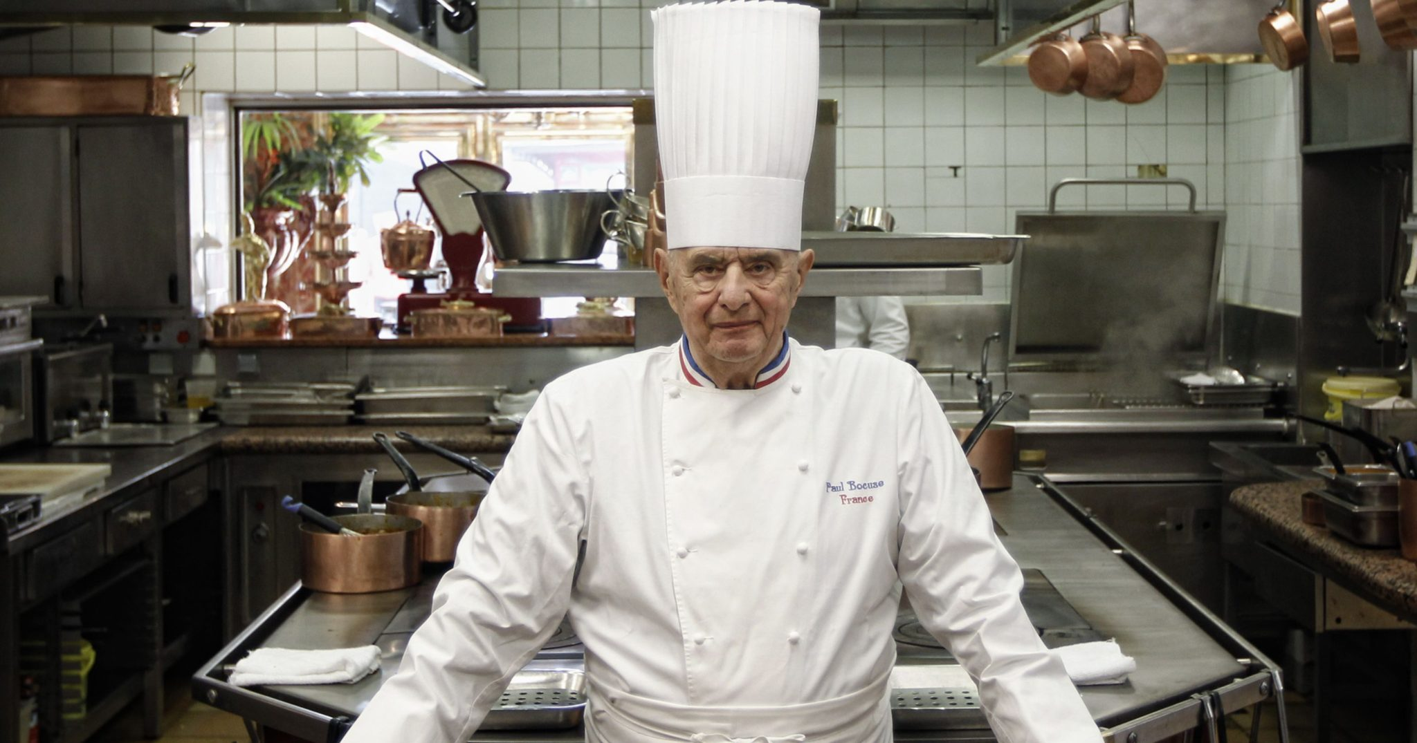 paul bocuse a master of french cuisine dies at 91. Black Bedroom Furniture Sets. Home Design Ideas