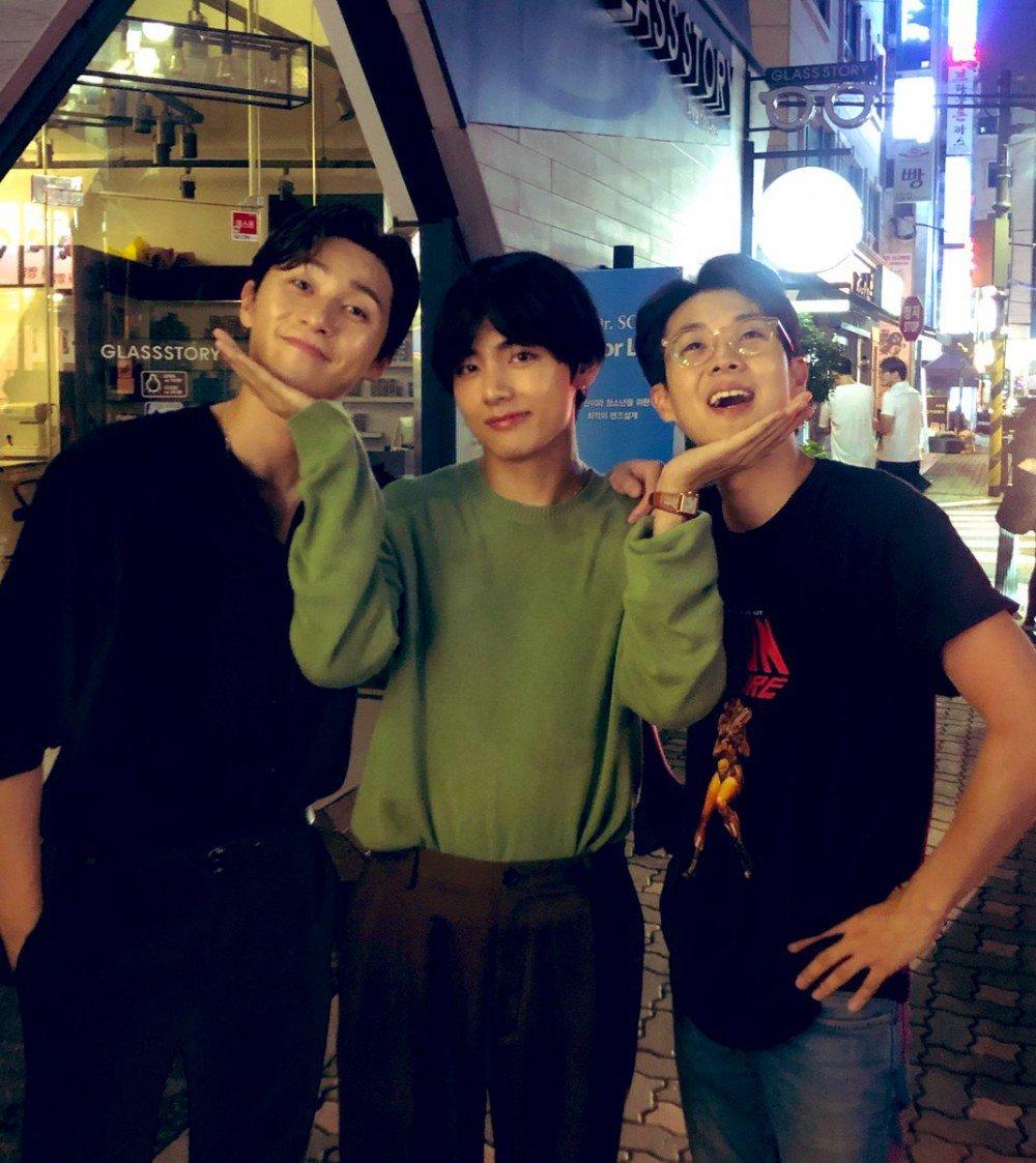 Park Seo Joon, V BTS, dan Choi Woo Shik