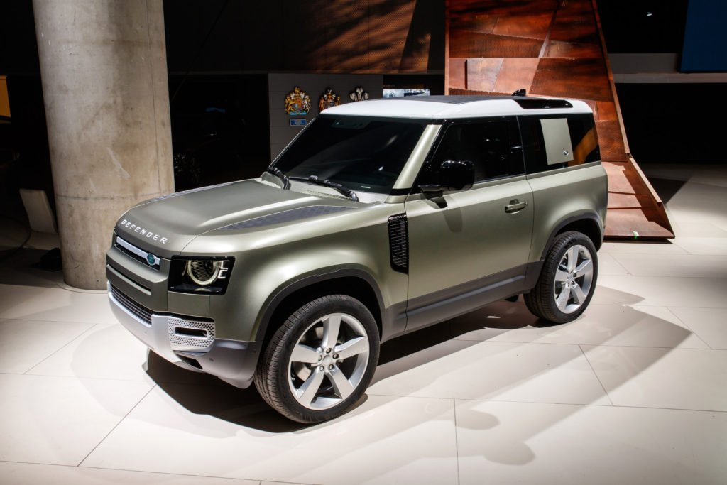 land-rover-defender-2020-02-angle--exterior--front--green.jpg
