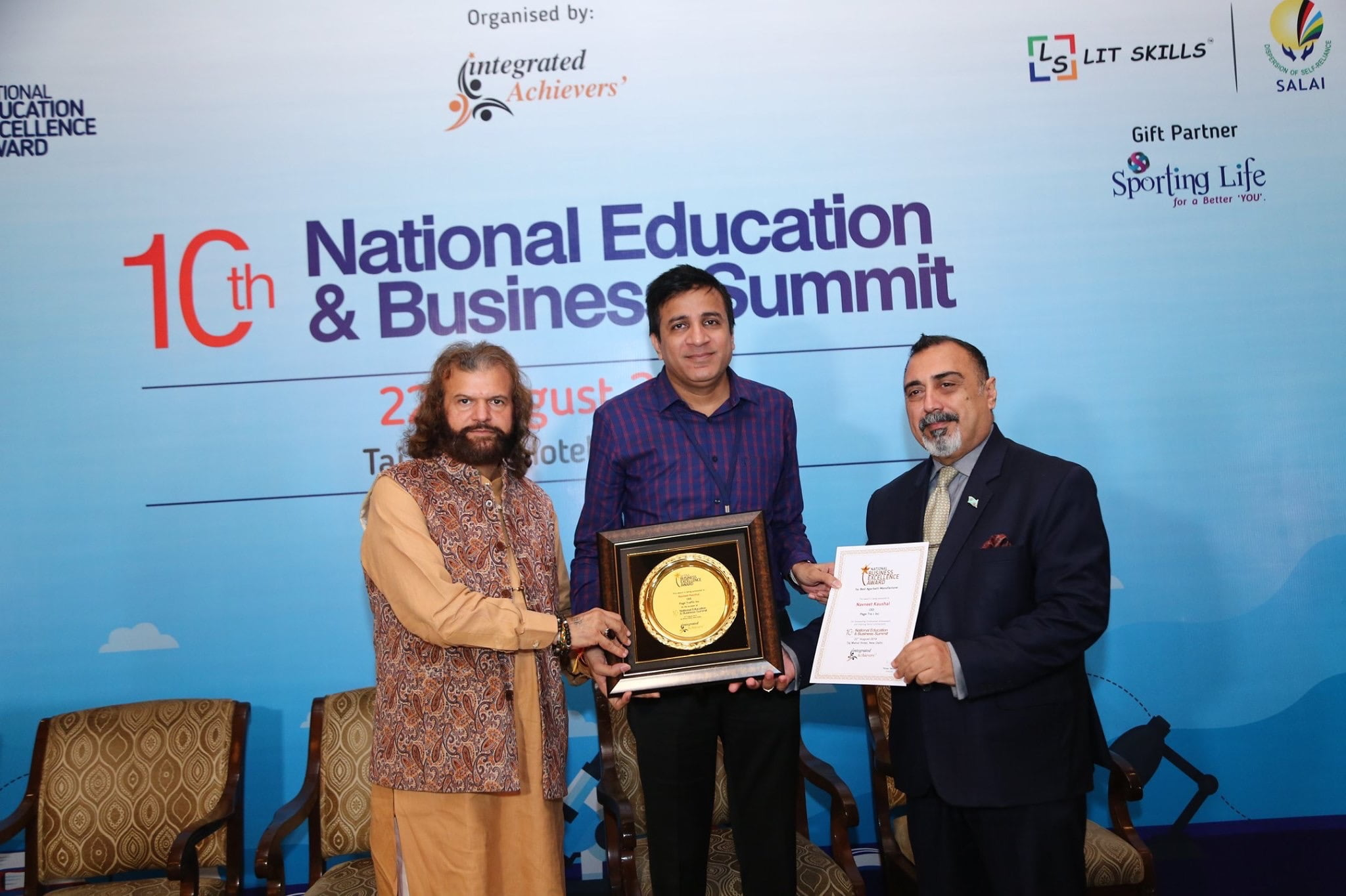 PageTraffic CEO Navneet Kaushal Wins National Business Excellence Award