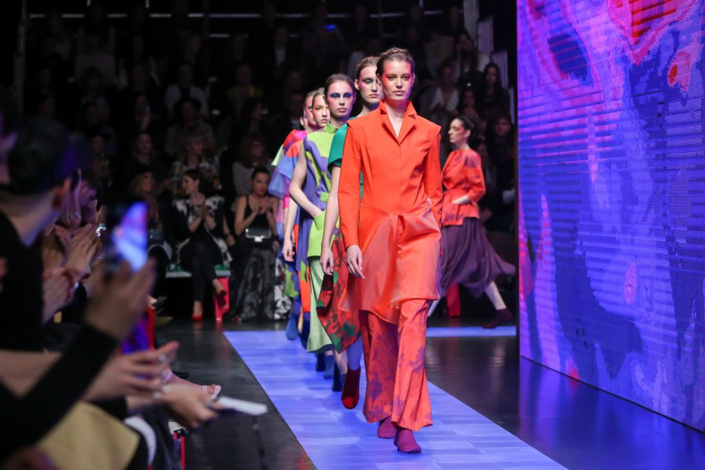 Benefits of Social Media Marketing in the Fashion Industry