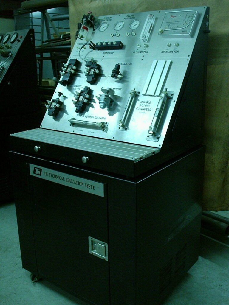 TII Technical Education Systems Explorer 1 Pneumatic Training System Trainer