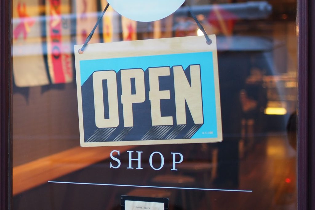 Open shop sign for direct to consumer affiliate marketing article