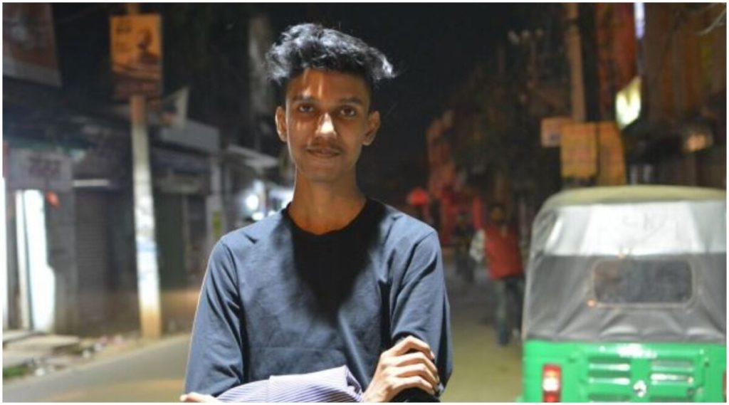 Story of Priyam Raj, 17-Year-Old Founder, Content Creator and Much More!
