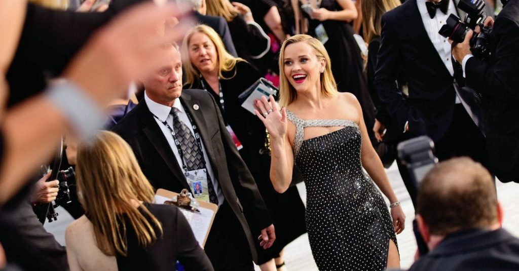 Reese Witherspoon's dress giveaway for teachers failed--how could they have planned it to succeed? : marketing