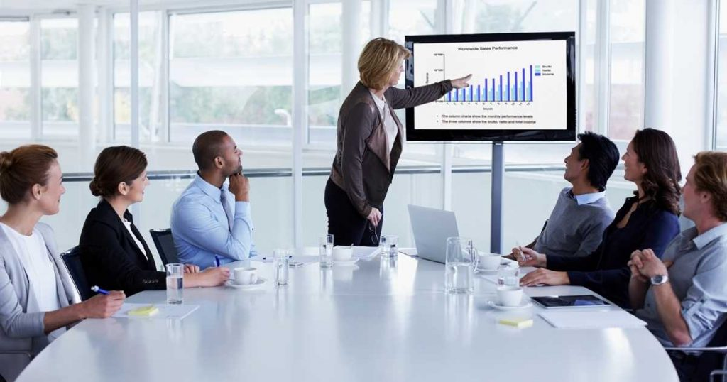 Sales Presentation Skills: How to Measure and Evaluate Your Salespeople