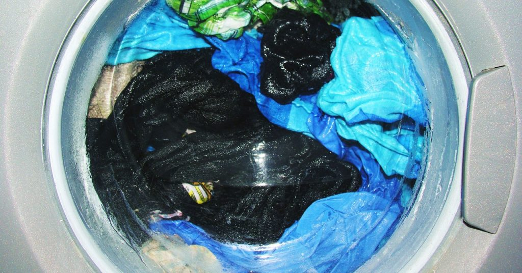 Who's to Blame for Plastic Microfiber Pollution?