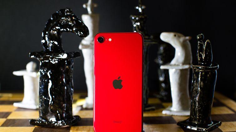 iPhone SE vs. iPhone 11 Pro: Save or splurge?